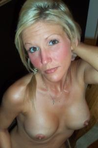 Horny Petite Milf Jolene Naked On The Dinner Table - Picture 15