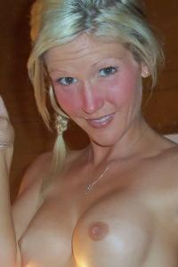 Horny Petite Milf Jolene Naked On The Dinner Table - Picture 16